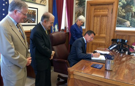 Malloy signs budget